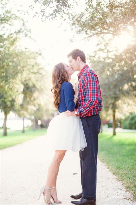 What to Wear for an Engagement Shoot | Aelida