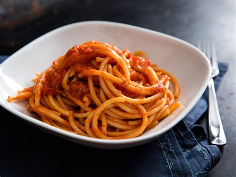 cuisine pasta bucatini all 39 amatriciana recipe serious eats