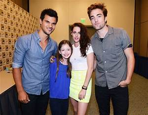 Jacob, Renesmee, Bella, and Edward   TwiHard   Pinterest