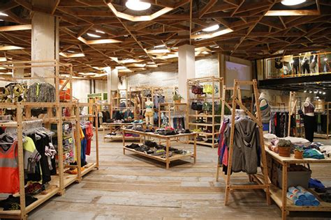 The worldu0026#39;s Largest Urban Outfitters Store Opens   Buro 24/7