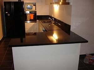 Plan De Travail Granit : cuisine avec plan de travail granit noir zimbabwe poli ~ Dailycaller-alerts.com Idées de Décoration