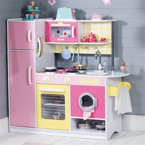 cuisine en bois pour enfants cuisine enfant bois 50 idées pour surprendre votre