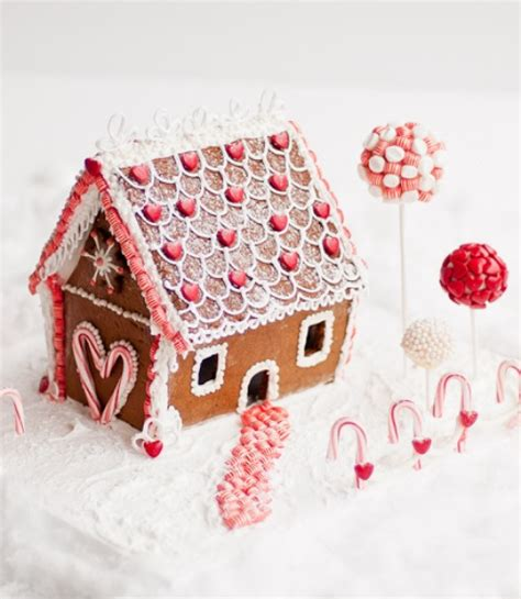 Decorating Ideas Gingerbread Houses by Gingerbread House Ideas How To Decorate A Gingerbread House