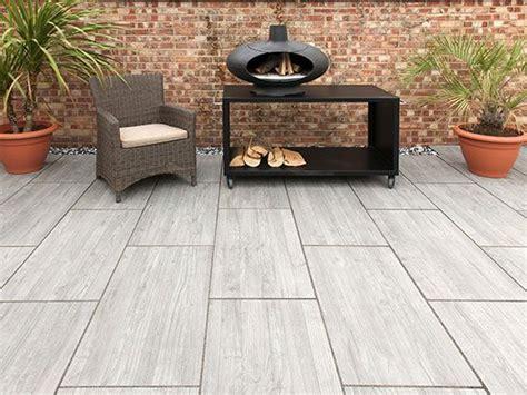 wood grain effect porcelain paving  rowebb patio