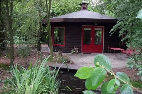 Tiny Octagon Cottage in the Netherlands