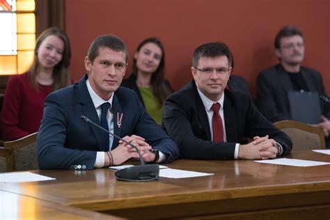 Juris Jurašs vērsies Satversmes tiesā, lai ātrāk panāktu ...
