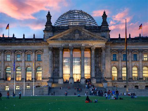 siege du parlement le reichstag siège du parlement allemand geo fr