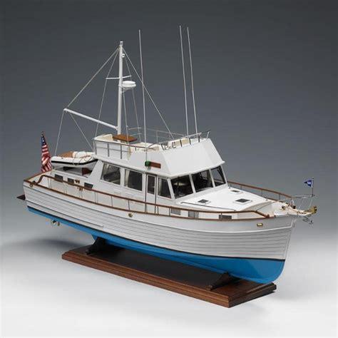 amati grand banks modern schooner model  kit hobbies