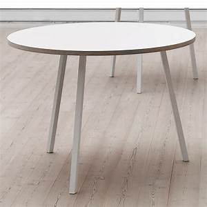 The round loop stand table by hay in the shop for Tische rund