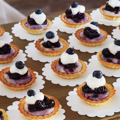 wedding cheesecake ideas  upgrade  dessert bar