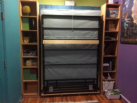 chambre malm bibliothèques billy transformées en lit escamotable