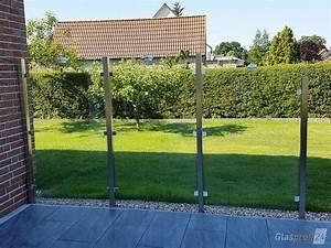 sichtschutz aus glas fur den garten glasprofi24 With französischer balkon mit garten windschutz