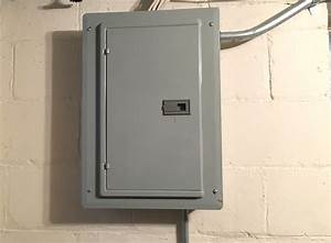 Outside Fuse Box With Latch