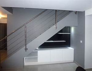 Placard Escalier : sous escalier pente ~ Carolinahurricanesstore.com Idées de Décoration