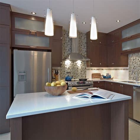 type de comptoir de cuisine cuisines beauregard cuisine réalisation 281 cuisine contemporaine en mélamine polyester et