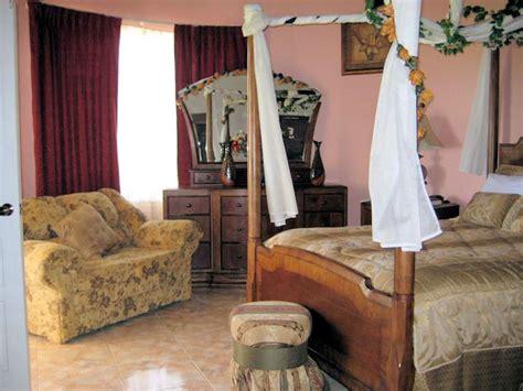 dream castle villa deluxe vacation rental  ironshore