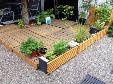 patios con deck hechos de palets