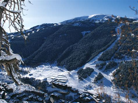 3 suisses si鑒e social soldeu station de ski