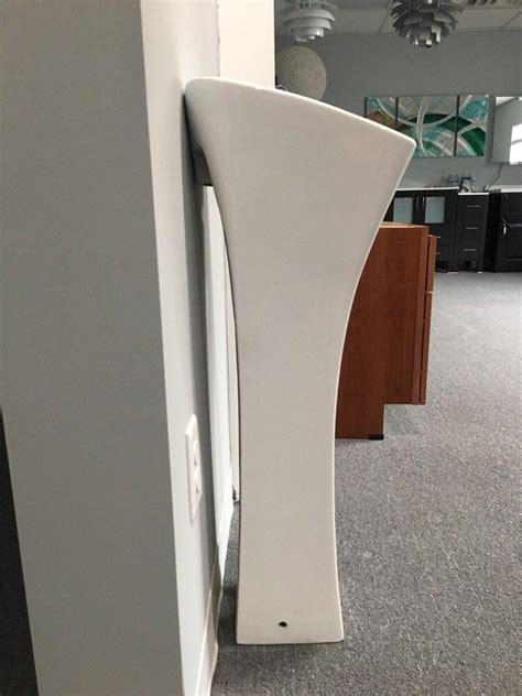 domitian  small pedestal sink