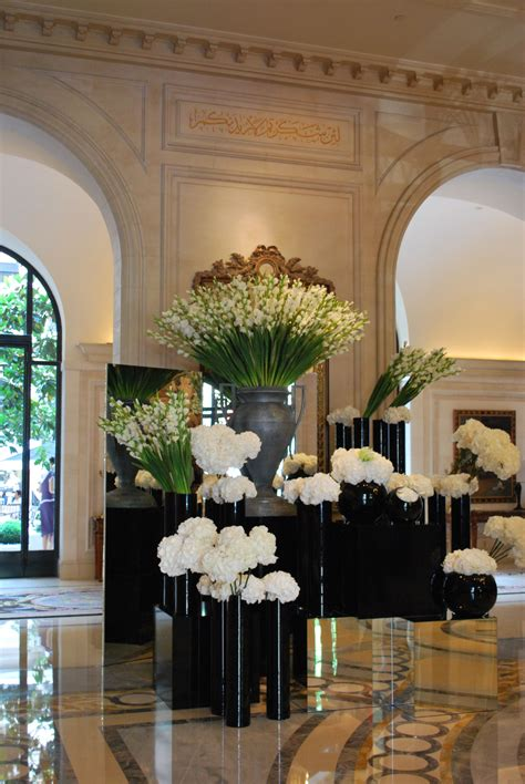 stunning lobby flowers