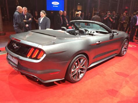 ford mustang convertible unveiled  australia