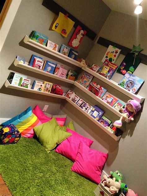 coin lecture chambre enfant am 233 nager un coin lecture pour enfant
