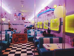 pink 50s diner | Tumblr