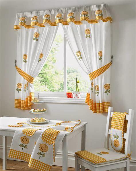 rideaux pour placard de cuisine idee pour rideau de cuisine