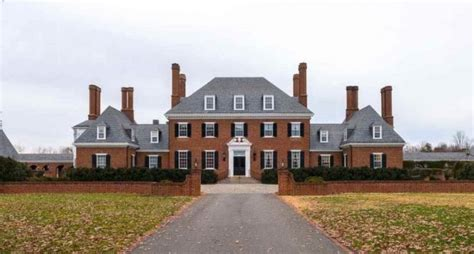 historic  colonial revival mansion   acres