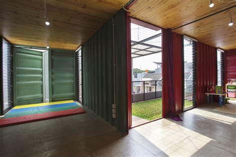 charmante maison container urbaine au design contemporain