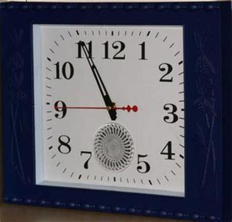 mettre une horloge sur le bureau comment faire une horloge avec photos condexatedenbay com
