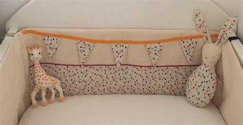 tour de lit bebe pour ou contre tour de lit b 233 b 233 et doudou lapin pop couture