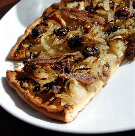 recette de cuisine provencale pissaladière recette de pizza à la mode niçoise cuisine