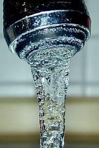 Drinking water - Wikipedia