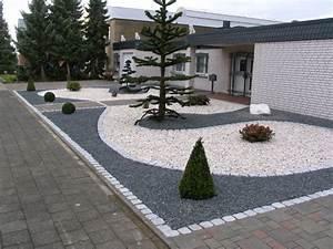 Einfahrt Mit Kies : vorgarten mit hellem und dunklem splitt fertig ~ Markanthonyermac.com Haus und Dekorationen