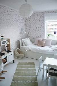 Lit Blanc Fille : lit fille original quelle parure de lit choisir ~ Teatrodelosmanantiales.com Idées de Décoration