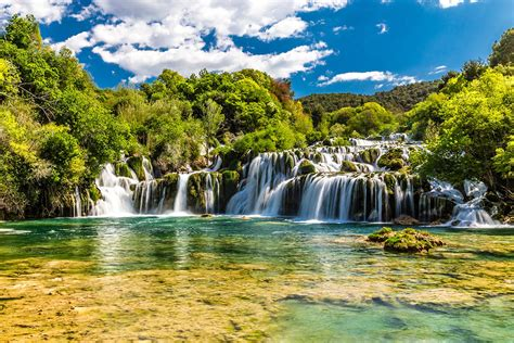 kroatien reisefuehrer  wasserfaelle krka ausflug