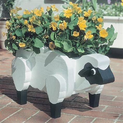 buy woodworking project paper plan  build sheep planter