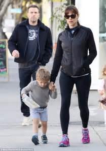 Ben Affleck and Jennifer Garner treat son Samuel to lunch ...