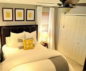 Gray and yellow bedroom theme decorating tips for Yellow and grey bedroom decor