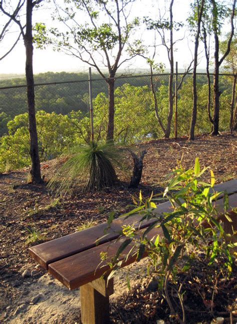 milne hill queensland hike east south peaks reserve bench