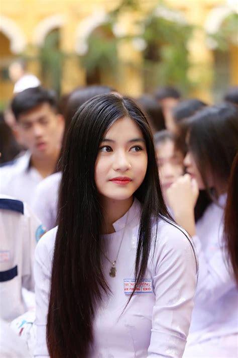 Cô Bạn 18 Tuổi Chứng Minh Con Gái Việt Mặc áo Dài Lúc Nào