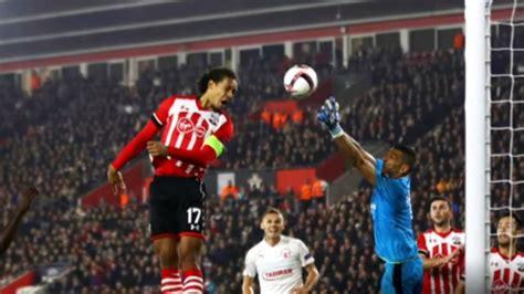 Arsenal vs Bayern (Reddit PC League - Season 1 Game 1) - YouTube