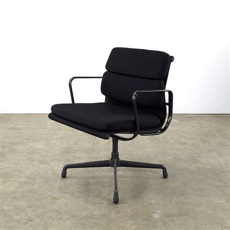fauteuil charles eames occasion 28 images chaise a