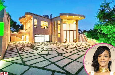 12 Million Are About To Rihanna 12 Million Mansion Islandz