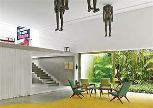 Modern Art Gallery House with Spiral Staircase Feature ...