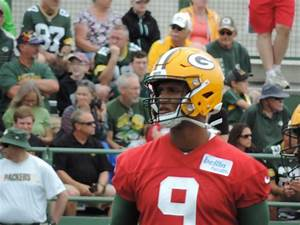 Packers fans get their wish, report says Hundley dealt to ...