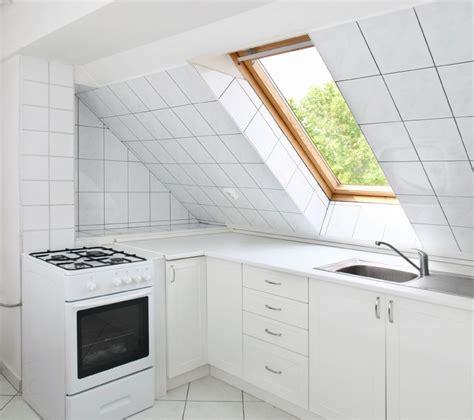 cucina mansarda casabook immobiliare come arredare una mansarda