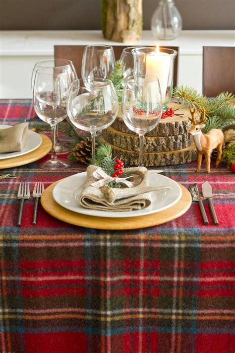 themed table cloth 28 christmas dinner table decorations and easy diy ideas