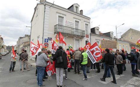siege de la cgt périgueux manifestation syndicale devant le siège du ps